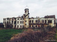 Villa Sgaravatti, abandoned villa near Padova - #urbex Abandoned places in Veneto || Read my blogpost here: http://www.blocal-travel.com/urbex/industrial-archaeology/urbex-italy-veneto/