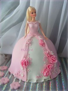 Ideas cake desing for girls princess party Barbie Cake Designs, Cake Designs For Girl, Barbie Torte, Bolo Barbie, Barbie Doll, Barbie Birthday, Birthday Cake Girls, Barbie Princess, Princess Party
