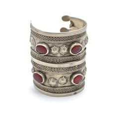 Arabian Nights Arm Cuff ($78) ❤ liked on Polyvore featuring jewelry, bracelets, metal, arm cuff jewelry, vintage red jewelry, vintage bangle, cuff jewelry and cuff bangle