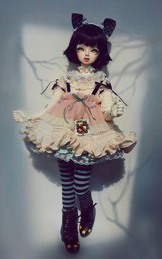 Miss Polly had a Dolly Pretty Dolls, Beautiful Dolls, Ooak Dolls, Blythe Dolls, Alice In Wonderland Doll, Enchanted Doll, Realistic Dolls, Anime Dolls, Doll Repaint