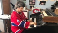 Sounds of the Bell Centre - National Hockey League News Montreal Canadiens, Bobby Orr, Nhl News, National Hockey League, Centre, Boston Bruins, Espn, Pot Pourri, League News