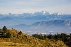 Mont Blanc is massive even from 85 km away - view from the Jura mountains Ain France [OC][3775x2500]