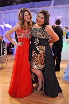 Laura & Raini look so amazing, I absolutely love Laura's dress and can't wait for this episode to premiere!!