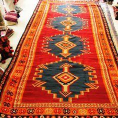 0171. Turkish Kelim in vivacious and virbant reds. Size 4.22m x 1.87m