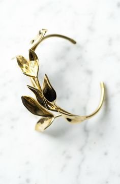 Botanical Laurel Leaf Bracelet in Brass, Bronze, or Sterling Silver | CollectedEdition on Etsy