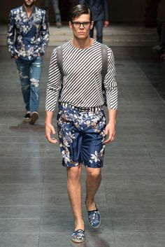 http://www.style.com/slideshows/fashion-shows/spring-2016-menswear/dolce-gabbana/collection/10