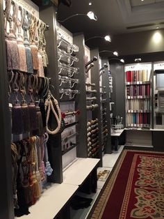 Workroom Couture Home Showroom Curtain Shop, Showroom Interior Design, Warehouse Design, Curtain Designs, Curtain Styles, Retail Store Design, Shop Front Design, Store Displays, Shop Interiors