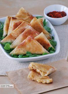 Samosas de risotto picante Samosas, Risotto, Calzone, I Want To Eat, Food Truck, Cornbread, Cantaloupe, Cravings, Pineapple