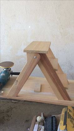 Carpenter Tools, Carpentry, Oriental, Stool, Desk, Folding Ladder, Septic Tank, Fold Away Desk, Wooden Ladders