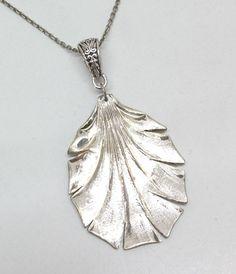 Antiker Blattanhänger  Silberanhänger AH139 von Atelier Regina auf DaWanda.com