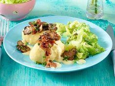 Unser beliebtes Rezept für Kartoffel-Nockerl mit Senfsoße und Speck zu Spitzkohlgemüse und mehr als 55.000 weitere kostenlose Rezepte auf LECKER.de.