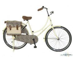 Omafiets met fietstassen