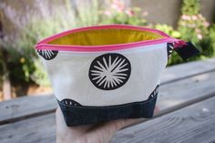 open wide zippered pouch tutorial size chart - Noodlehead