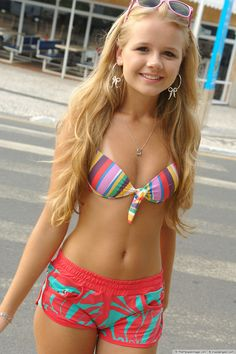 Pin by gaurav kaushal on sexy in 2019 Hot Teens, Sexy Teens, Sexy Hot Girls, Cute Girls, Pretty Girls, Bikinis For Teens, Mädchen In Bikinis, Sexy Bikini, Bikini Girls