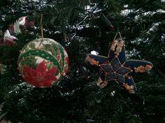 Pallina e stellina di Natale in patchwork senz'ago