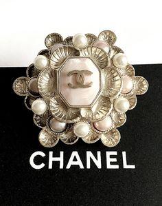 #vintage #chanel #soft #pink #silver #pearl #brooch #pin #jewelry #shells #seashells #runway #fashion | #edithann