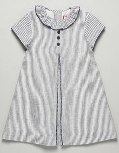 pleat instead of gather (insert possible) Frocks For Girls, Kids Frocks, Dresses Kids Girl, Little Girl Dresses, Kids Outfits, Toddler Dress, Baby Dress, Fashion Kids, Frock Design