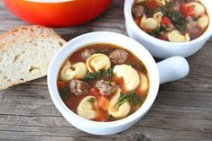Hearty soup with Italian sausage, cheese tortellini, red peppers, tomatoes, and kale. This easy one pot soup makes a great main dish. Italian Sausage Tortellini Soup, Tortellini Recipes, Soup Recipes, Vegetarian Recipes, Cooking Recipes, Healthy Recipes, Cheese Tortellini, Easy Recipes, Suppers
