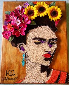 Nails Art Frida Can't afford to buy a famous artist's work for your humble abode? No worries: Wear some on your nails! Alright, maybe this collection of nail art isn't exactly on the mastership s…Frida Kahlo es la excéntrica mujer de las flores en la cabeza, los bordados coloridos y la ceja prominen
