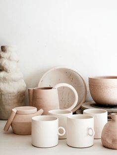 Home Interior Farmhouse Claudia Lau The Design Files Design Blog, The Design Files, Zen Design, Ceramic Pottery, Ceramic Art, Ceramic Tableware, Ceramic Mugs, Clay Mugs, Stoneware Mugs