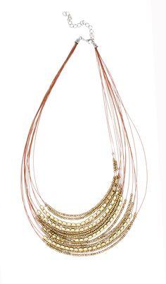 Ibero Madagaskar Collection necklace in matte gold. Mattakullanvärinen kaulakoru Ibero Madagaskar mallistosta.