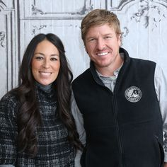 Hgtv Property Brothers, Chip And Joanna Gaines, Chip Gaines, Mike Rowe, Hgtv Shows, Iphone Hacks, Discovery Channel, Yes To The Dress, Best Iphone