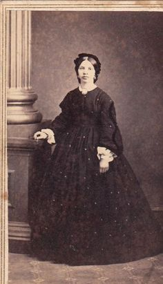 Civil War Era photograph. Love the fabric and hair. 1860s