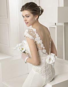 SABINE dentelle guipure robe crepe satin dos nue robe de mariée le salon blanc marseilee 13011