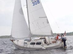 The Nordica/Halman 20. A full-keel/trailerable small cruiser.