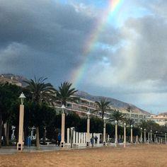 """""""La vida es como un #arcoiris. Necesitamos tanto el sol como la lluvia para hacer que sus colores aparezcan"""". Buenas Noches. #diadelluvia #playa #altea #alicante #comunidadvalenciana #lluvia #naturaleza #montaña #iphonephotos #iphoto #instaigers by samantaxelmundo"""