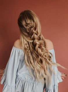 Check out The Triple Threat braid tutorial! Barefoot Blonde Hair, Amber Fillerup