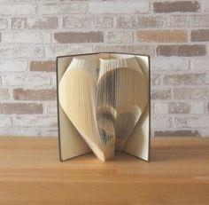 gefaltetes Buch  Herz in Herz // Buchkunst // von Buechertruhe