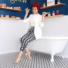 hen You Find A Bathtub Filled with Color Riche Lipsticks 😍😱 (p Mode Turban, Look Zara, Petite Outfits, Zara Shoes, Head Wraps, Fashion Accessories, Bodycon Dress, Lipstick, Style Inspiration