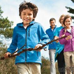 """Nazwa """"trekking"""" wywodzi się od słowa """"trek"""", którego używali biali osadnicy, żyjący od XVII wieku w Afryce Południowej. Określali oni w ten sposób długie, piesze wędrówki w trudnym terenie.  http://blog.ruszamysie.pl/odziez-trekkingowa-w-lidlu/"""