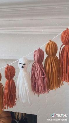 Diy Halloween Decorations, Halloween Crafts, Diy Lace Teepee, Halloween Raven, Balloon Bouquet, Party Planning, Gender Reveal, Baby Showers, Macrame