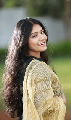 Indian beauty South Indian Actress Hot, Most Beautiful Indian Actress, Beautiful Actresses, Cute Beauty, Beauty Full Girl, Beauty Women, Beautiful Blonde Girl, Beautiful Girl Image, India Beauty