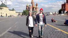 ¿Qué pasa cuando 2 hombres caminan de la mano en Rusia? [VIDEO]