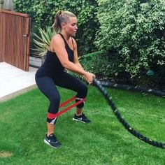 BATTLE ROPES 💥 No one enjoys them, no one finds them easy, no once choices to use them. But seriously they can do amazing things, just ask… Trx Full Body Workout, Best Cardio Workout, Workout Videos, Body Workouts, Workout Fitness, Fitness Tips, Fitness Motivation, Battle Rope Workout, Boot Camp Workout