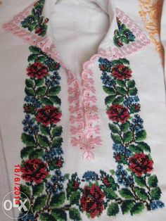 вишиванки чернівці - Пошук Google Floral Tie, Cross Stitch, Costumes, Traditional, Embroidery, Pattern, Beads, Punto De Cruz, Manualidades