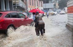 Chuvas deixam Luanda alagada e centenas de famílias sem casa https://angorussia.com/noticias/angola-noticias/chuvas-deixam-luanda-alagada-centenas-familias-sem-casa/