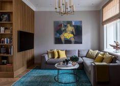 Modern lakberendezés új építésű kis lakásban - 39m2-es keskeny egyszobás tér ügyes kialakítása - zónák, funkcionalitás - Lakberendezés trendMagazin Interior Design Living Room, Couch, Modern, Furniture, Home Decor, Living Rooms, Interiors, Tv, Luxury