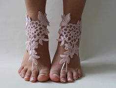 dentelle rose, pieds nus, sandales dentelle française, chaussures nude,, Bijoux de pied, de mariage, dentelle victorienne Yoga : Autres accessoires par passionis