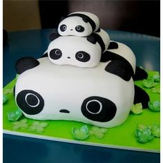 Tara Panda Cake!