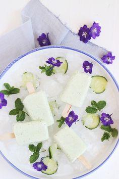 Eis Eis Baby! Ein grünes Sommerträumchen aus Minze, Gurke (ja Gurke!), Basilikum und Joghurt (und der Traum vom Sieg heute Abend)