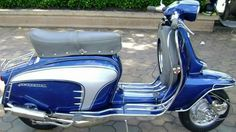Mod Scooter, Lambretta Scooter, Scooter Parts, Scooter Girl, Vespa Scooters, Small Motorcycles, Vintage Motorcycles, Sidecar, Italian Scooter