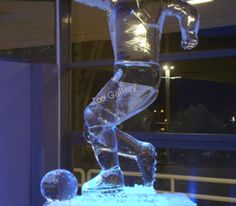Football player ice sculpture that is crystal clear. It is produced by our company. Snow Art, Ice Sculptures, Business Events, Snow And Ice, Football Players, Crystals, Elegant, Unique, Ice