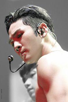 Nu Est, Kpop, Editing Pictures, Pop Singers, Human Anatomy, Handsome Boys, Korean Singer, Celebrity Crush, Beautiful Men