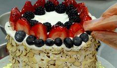 Genial sommerkake for deg som teller kalorier! Acai Bowl, Bread, Cakes, Breakfast, Food, Acai Berry Bowl, Morning Coffee, Cake Makers, Brot