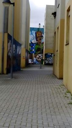 Grafiti in ' Quinta do Mocho ' (bairro social de Loures)