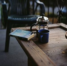 8 Signs You Are A French Press - Sprudge.com Coffee Break, I Love Coffee, Coffee Time, My Coffee, Coffee Cups, Coffee Mornings, Sunday Morning Coffee, Black Coffee, Tea Time